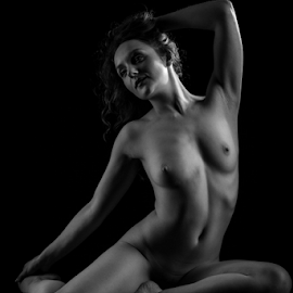 Holly by Paul Phull - Nudes & Boudoir Artistic Nude ( body, pose, art nude, black and white, shadow )