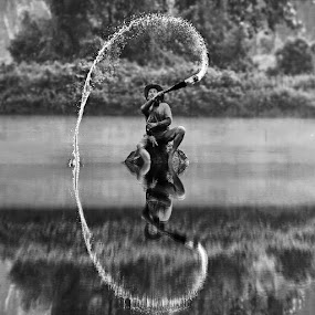 A steady stream of happiness (BW) by DODY KUSUMA  - Black & White Street & Candid ( Free, Freedom, Inspire, Inspiring, Inspirational, Places, People, Emotion,  )