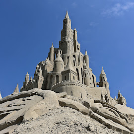 Sleeping beauty's castle by Marjan Smit - Artistic Objects Other Objects ( zand, sleeping beauty, sculpture, sand, doornroosje, sand sculpture, zandkasteel, castle, sand castle, kasteel )