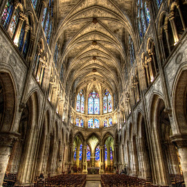 Sainte-Chapelle 2 by Ben Hodges - Buildings & Architecture Places of Worship ( paris, church, hdr, wide angle, france, travel, worship )