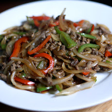 Dinner Tonight: Stir-Fried Beef with Onions and Peppers
