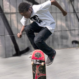 by Eddie Leach - Sports & Fitness Skateboarding