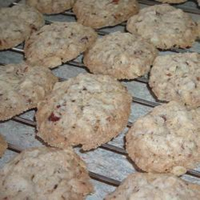 Buttery Oat and Pecan Cookies
