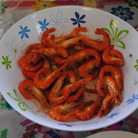 PRAWNS TO GO by James Menteith - Food & Drink Plated Food ( food, drink, photography, prawns )