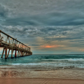 The Spit 2 by Simon Tidd - Buildings & Architecture Bridges & Suspended Structures ( qld, spit, gold coast, pier, beach )