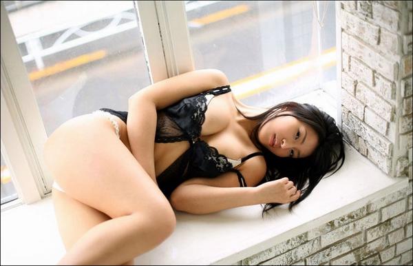 the Sexy Nina Minami