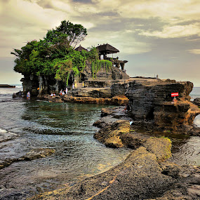 Evening at Tanah Lot by Mohamad Hafizuddin - Landscapes Travel