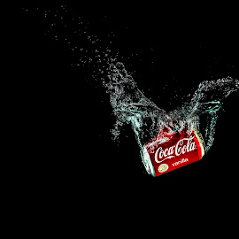Splish Splash Coke by Daniel Craig Johnson - Food & Drink Alcohol & Drinks ( coke, refreshment, drink, advertisement, spalsh,  )