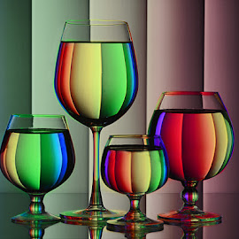 Hues of spectrum #16 by Rakesh Syal - Artistic Objects Glass