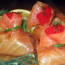 Smoked Salmon and Guacamole Bundles