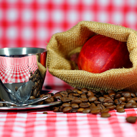 by Dipali S - Food & Drink Alcohol & Drinks ( cup, red, beans, apple, saucer, coffee, checkbox, picnic )