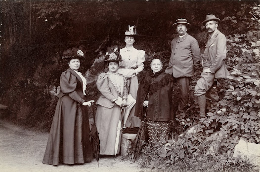 Journey to Switzerland - Léonie La Fontaine, her brother Henri on the far right, and friends, during an excursion in Switzerland