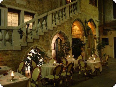 restaurant nook in venice