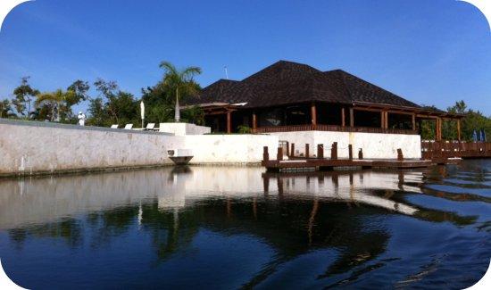 la laguna fairmont