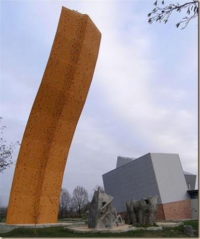 Mur d'escalade plus haut du monde-16