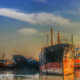 pelabuhan gresik by Rizal Debby - Transportation Other
