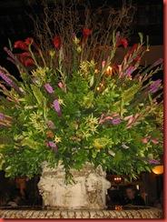 bloemen boven fontein