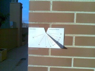 Reloj de sol vertical