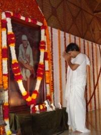 [Sarath Babuji In Shirdi[1].jpg]