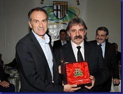 Guidolin riceve Gialloblu d'oro da Manfredini