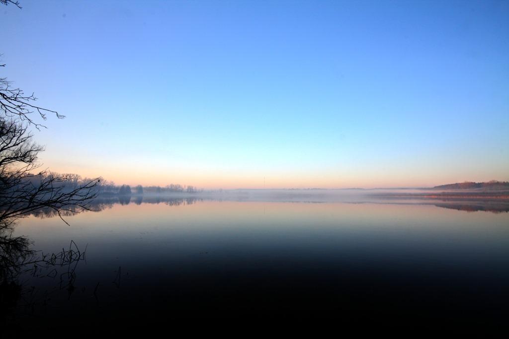 [lake-sunrise-12.jpg]