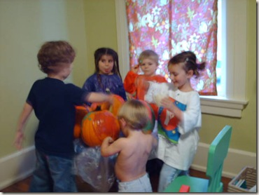 Pumpkin Painting on High Street 001