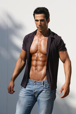 Bodybuilder and Fitness Model Dror Okavi