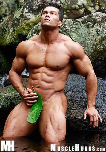 MuscleHunks-Angel-Cordoba