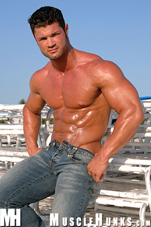 MuscleHunks-Kurt-Beckmann