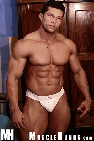 Muscle Hunk Angel Cordoba