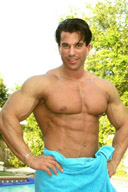 Sexy Male Bodybuilder Pictures Gallery - Men with Towels