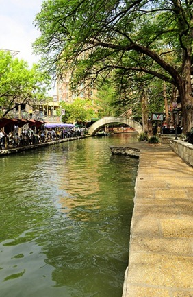 riverwalk_thumb[3]