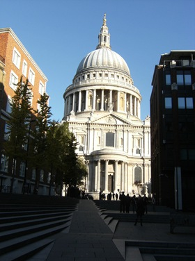 241010_002_London_St_Pauls_Sunday_Morning