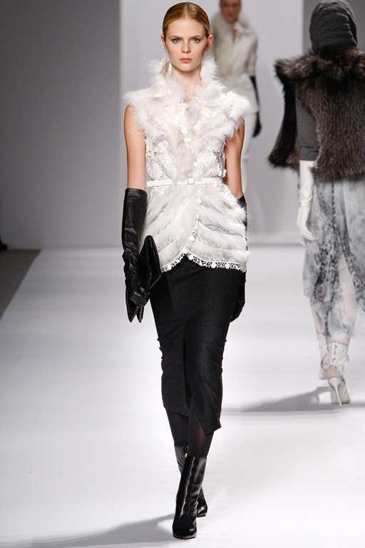 wearable trends  elie tahari fall 2011 rtw collection  mercedes
