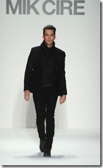 Mik Cire Runway Photos Fall 2011 13
