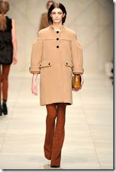 Burberry Prorsum Fall 2011 Ready-To-Wear Runway Photos 27