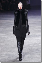 Rick Owens RTW Fall 2011 Runway Photos 12