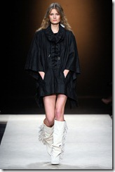 Isabel Marant Ready-To-Wear Fall 2011 Runway Photos 24