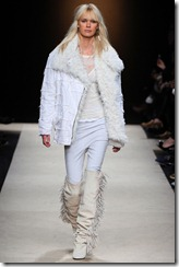 Isabel Marant Ready-To-Wear Fall 2011 Runway Photos 27