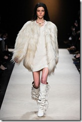 Isabel Marant Ready-To-Wear Fall 2011 Runway Photos 28