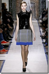 Yves Saint Laurent Ready-To-Wear Fall 2011 Runway Photos 21