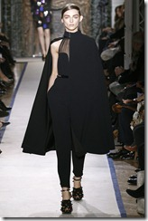 Yves Saint Laurent Ready-To-Wear Fall 2011 Runway Photos 26