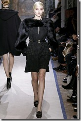 Yves Saint Laurent Ready-To-Wear Fall 2011 Runway Photos 15