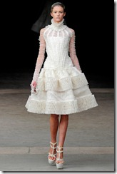 Alexander McQueen RTW Fall 2011 Runway Photos 23