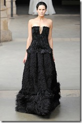 Alexander McQueen RTW Fall 2011 Runway Photos 32