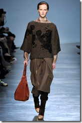 Vanessa Bruno Ready-To-Wear Fall 2011 Runway Photo 30