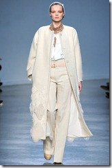 Vanessa Bruno Ready-To-Wear Fall 2011 Runway Photo 4