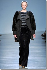 Vanessa Bruno Ready-To-Wear Fall 2011 Runway Photo 12