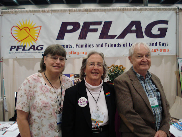 Sacramento Vice-Chair Francie Milazzo, San Francisco Co-Chair Julia Thoron, and Sacramento Board Member Roger Cain at the 2010 American Academy of Pediatrics National Conference