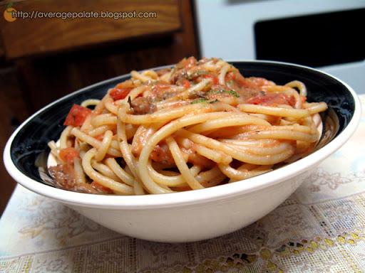 creamy tomato sauce with spaghetti